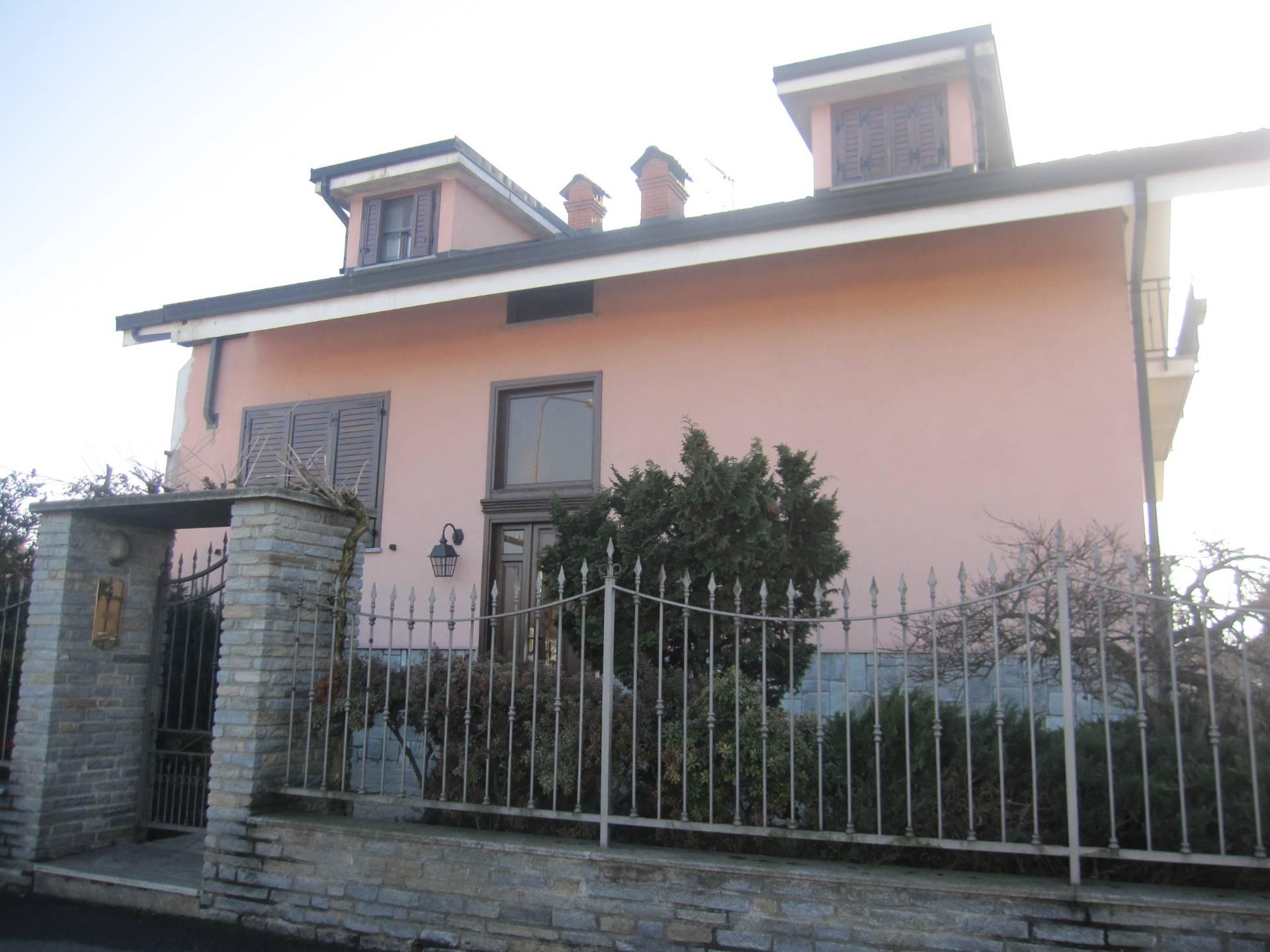 Villa Bifamiliare in vendita a Vinovo, 10 locali, zona Zona: Garino, prezzo € 400.000 | CambioCasa.it