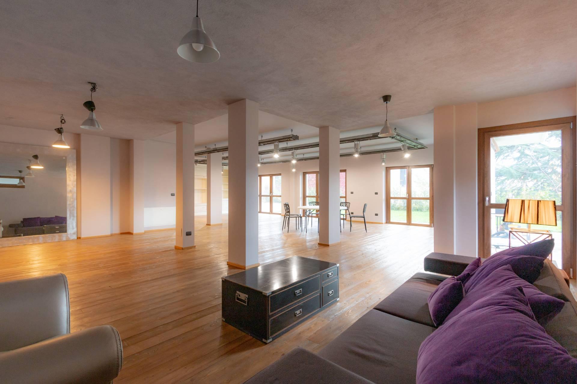 Villa in vendita a Almese, 5 locali, zona Località: Almese, prezzo € 680.000   CambioCasa.it