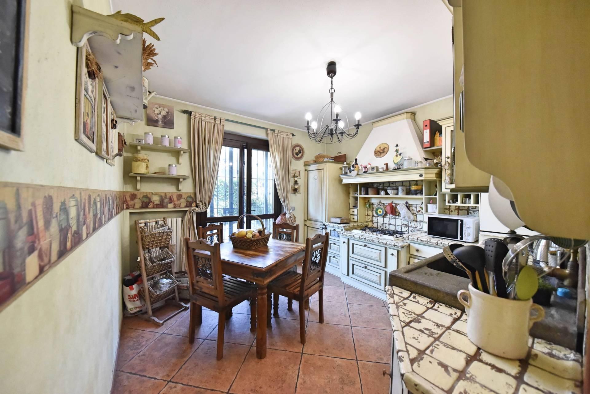 Altro in vendita a Bruino, 6 locali, zona Località: Semicentro, prezzo € 295.000   CambioCasa.it
