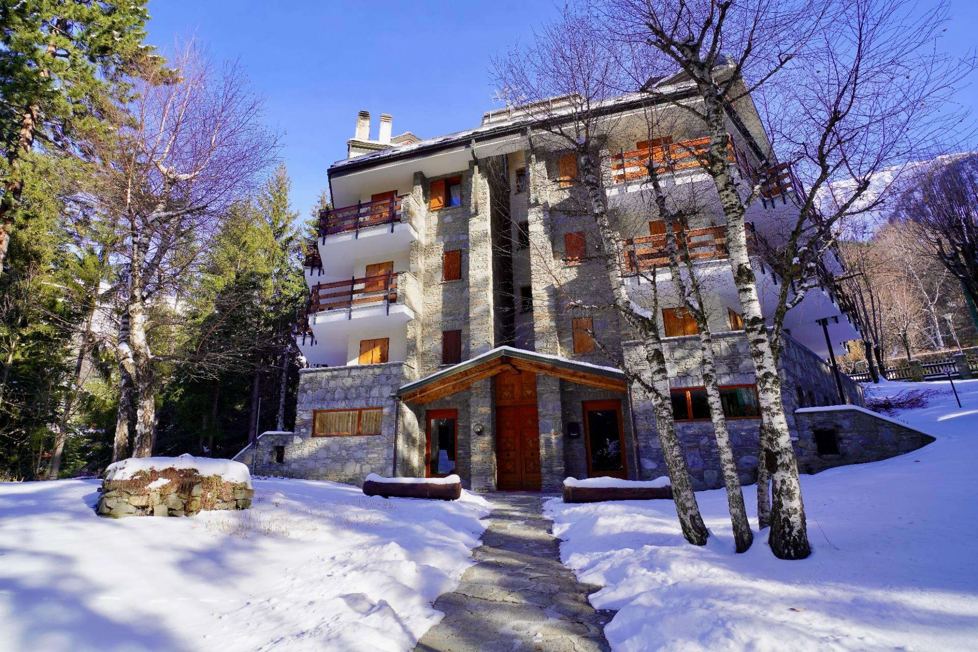 Appartamento in vendita a Courmayeur, 7 locali, prezzo € 1.200.000 | PortaleAgenzieImmobiliari.it