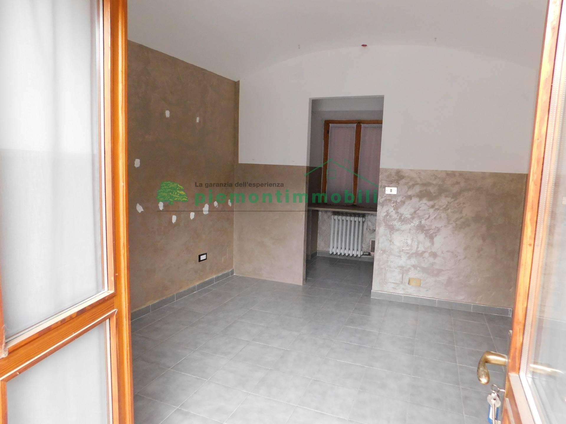 Ufficio / Studio in affitto a Giaveno, 9999 locali, zona Località: Centro, prezzo € 380 | PortaleAgenzieImmobiliari.it