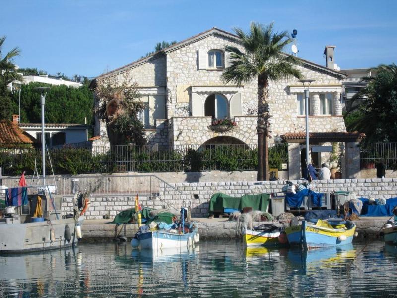 Villa in Vendita a Cagnes-sur-Mer