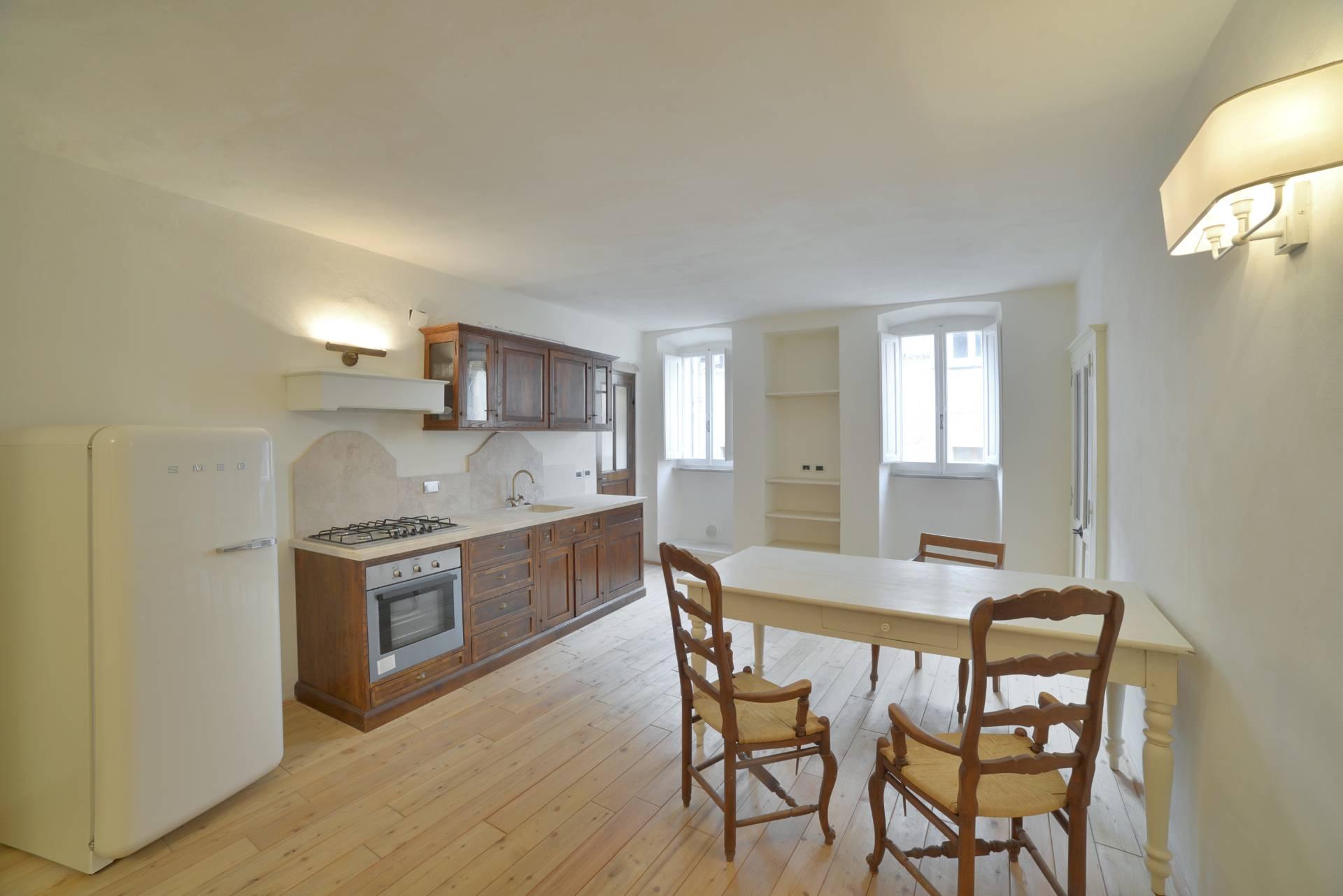 Appartamento in vendita a Volterra, 3 locali, prezzo € 115.000 | CambioCasa.it