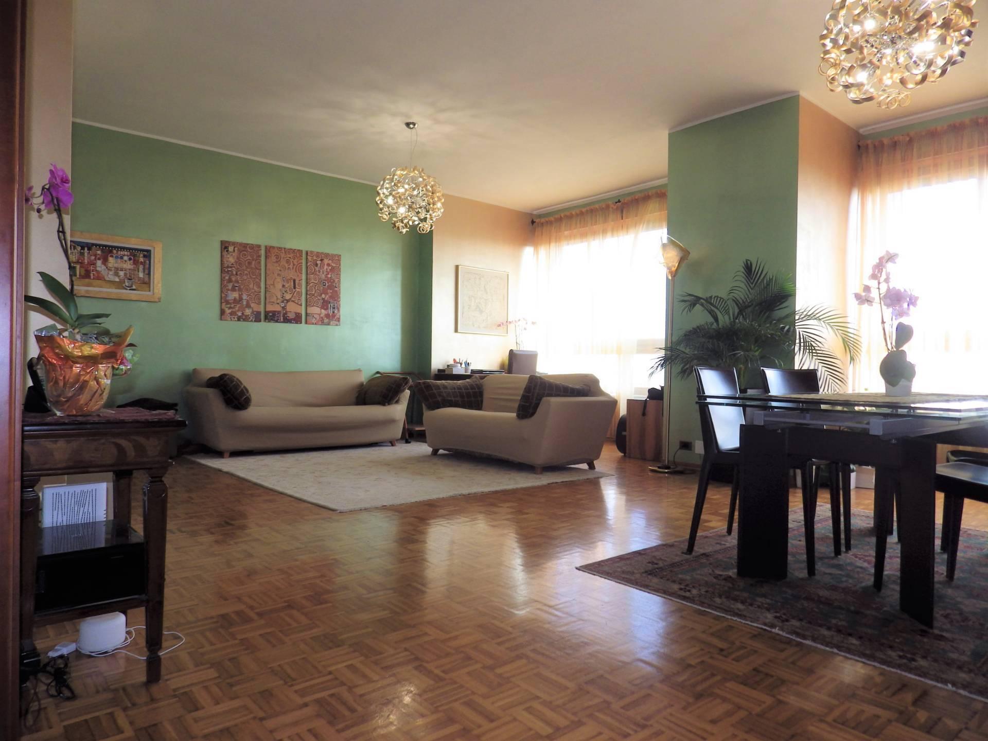 Appartamento in vendita a Beinasco, 4 locali, zona Zona: Borgaretto, prezzo € 228.000 | CambioCasa.it