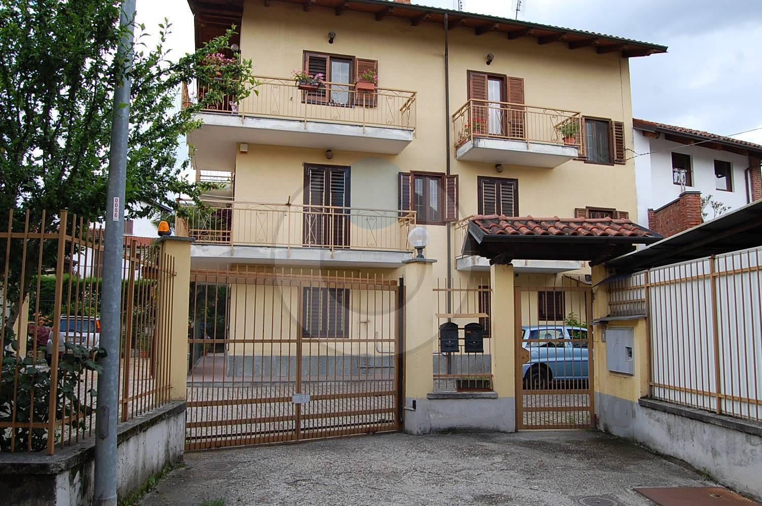 Appartamento in vendita a Giaveno, 4 locali, zona Località: ComodoAlCentro, prezzo € 165.000 | PortaleAgenzieImmobiliari.it