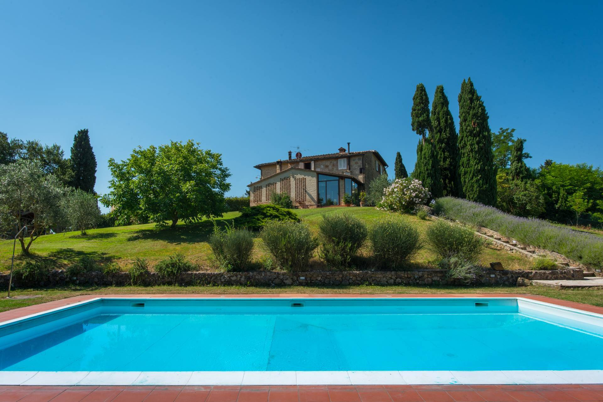 Rustic for Sale to San Gimignano