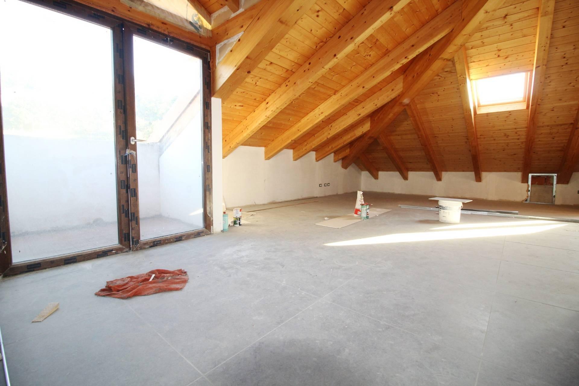 Appartamento in vendita a Rivoli, 3 locali, zona Località: CentroStorico, prezzo € 260.000 | CambioCasa.it