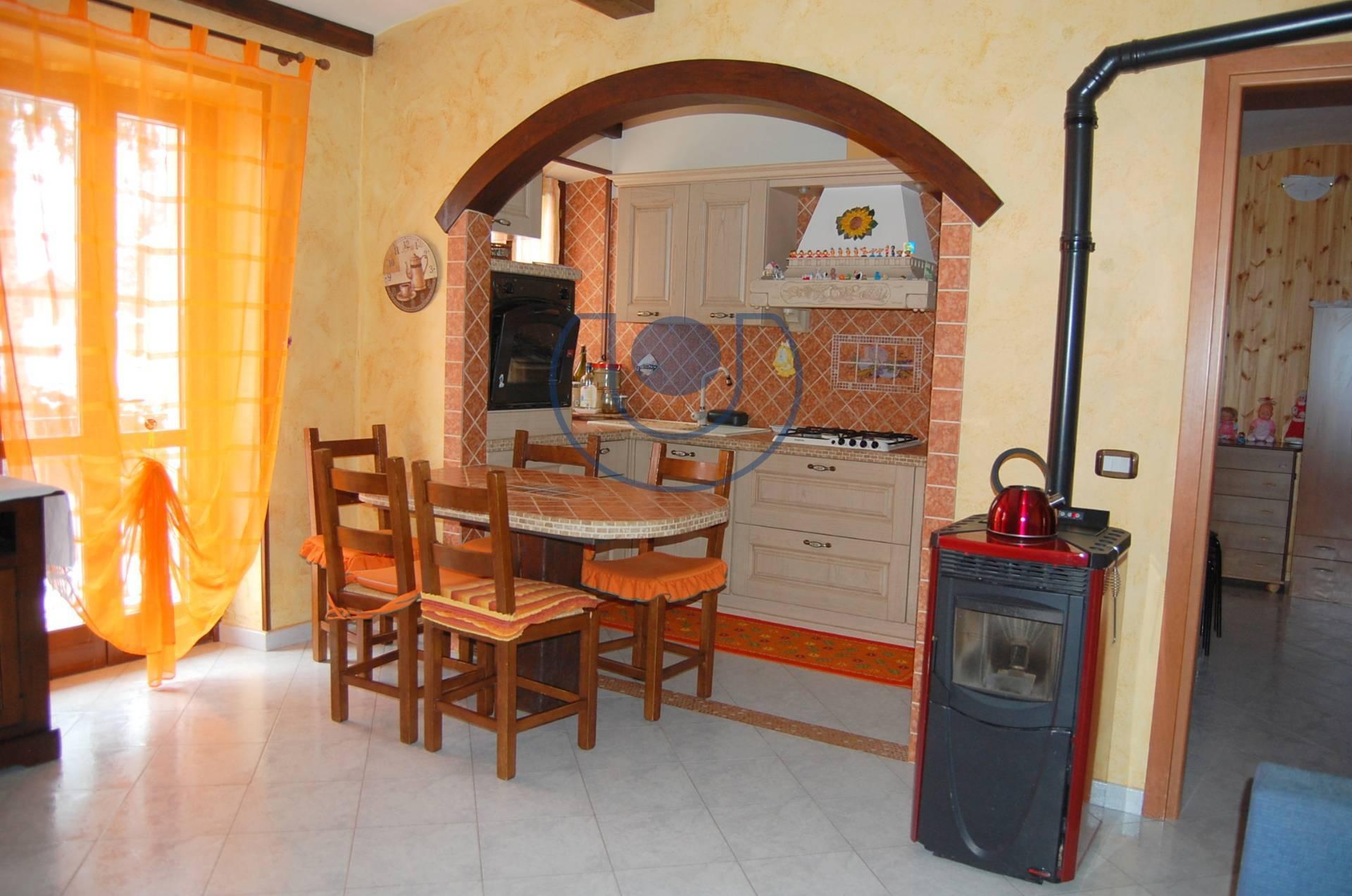 Appartamento in vendita a Coazze, 6 locali, zona Località: Centro, prezzo € 48.000 | PortaleAgenzieImmobiliari.it