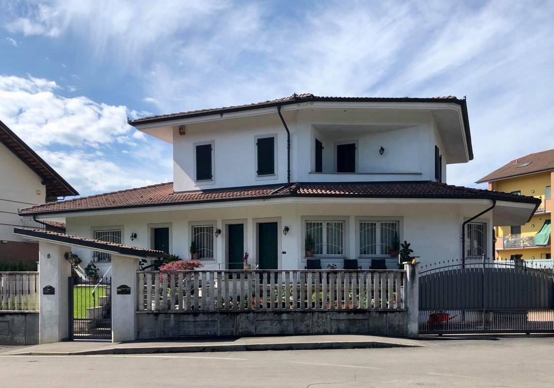 Villa in vendita a Piobesi Torinese, 7 locali, zona Località: Centrale, prezzo € 350.000   CambioCasa.it