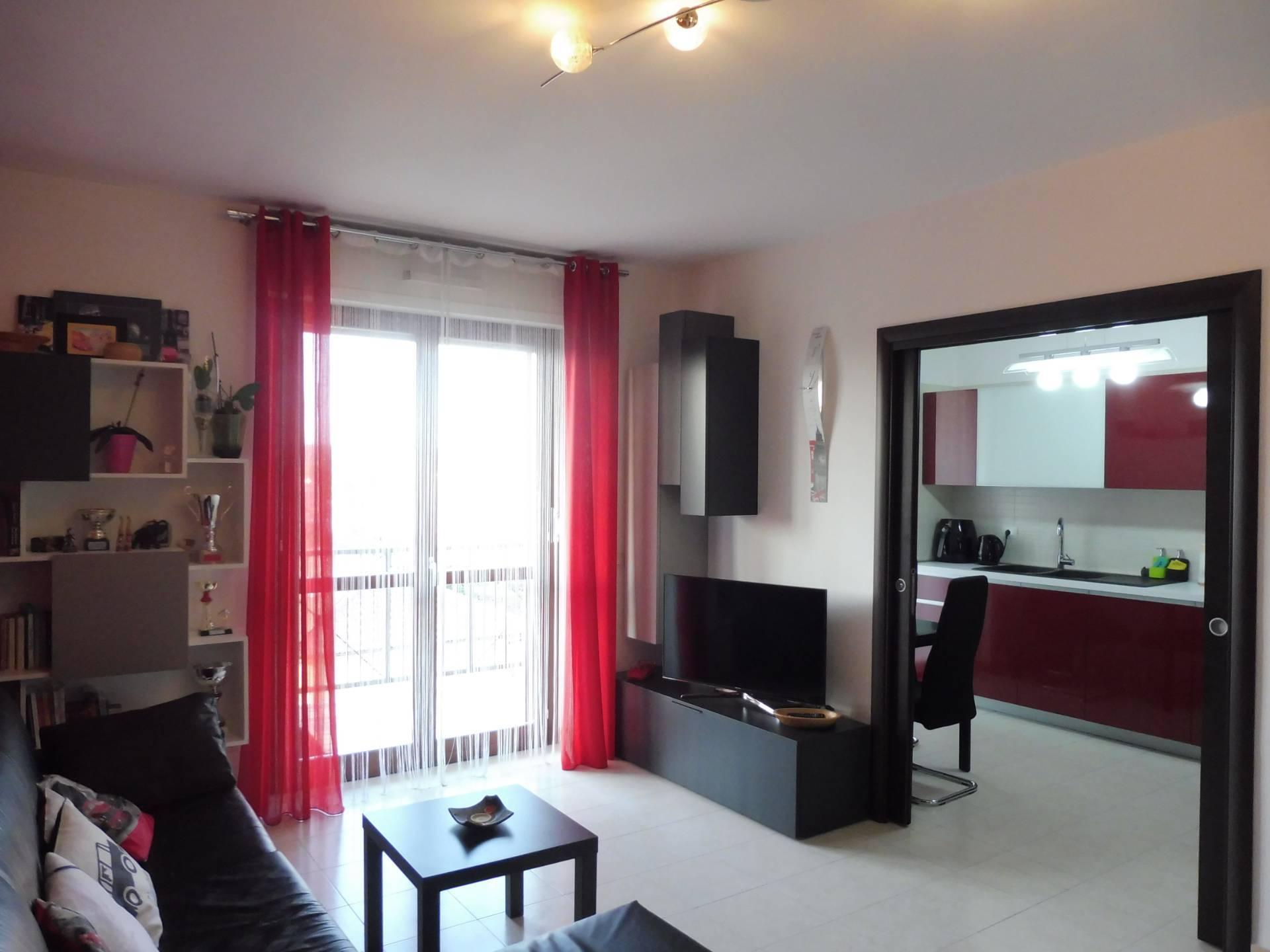 Appartamento in vendita a Orbassano, 3 locali, zona Località: SemiCentro, prezzo € 154.000   CambioCasa.it