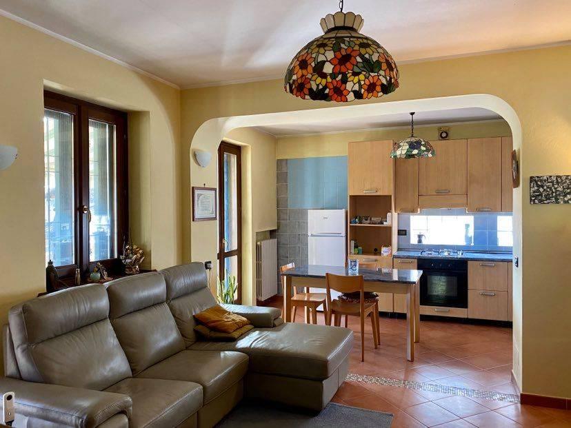 Soluzione Indipendente in vendita a Carignano, 6 locali, zona Località: BorgataBrassi, prezzo € 230.000 | CambioCasa.it