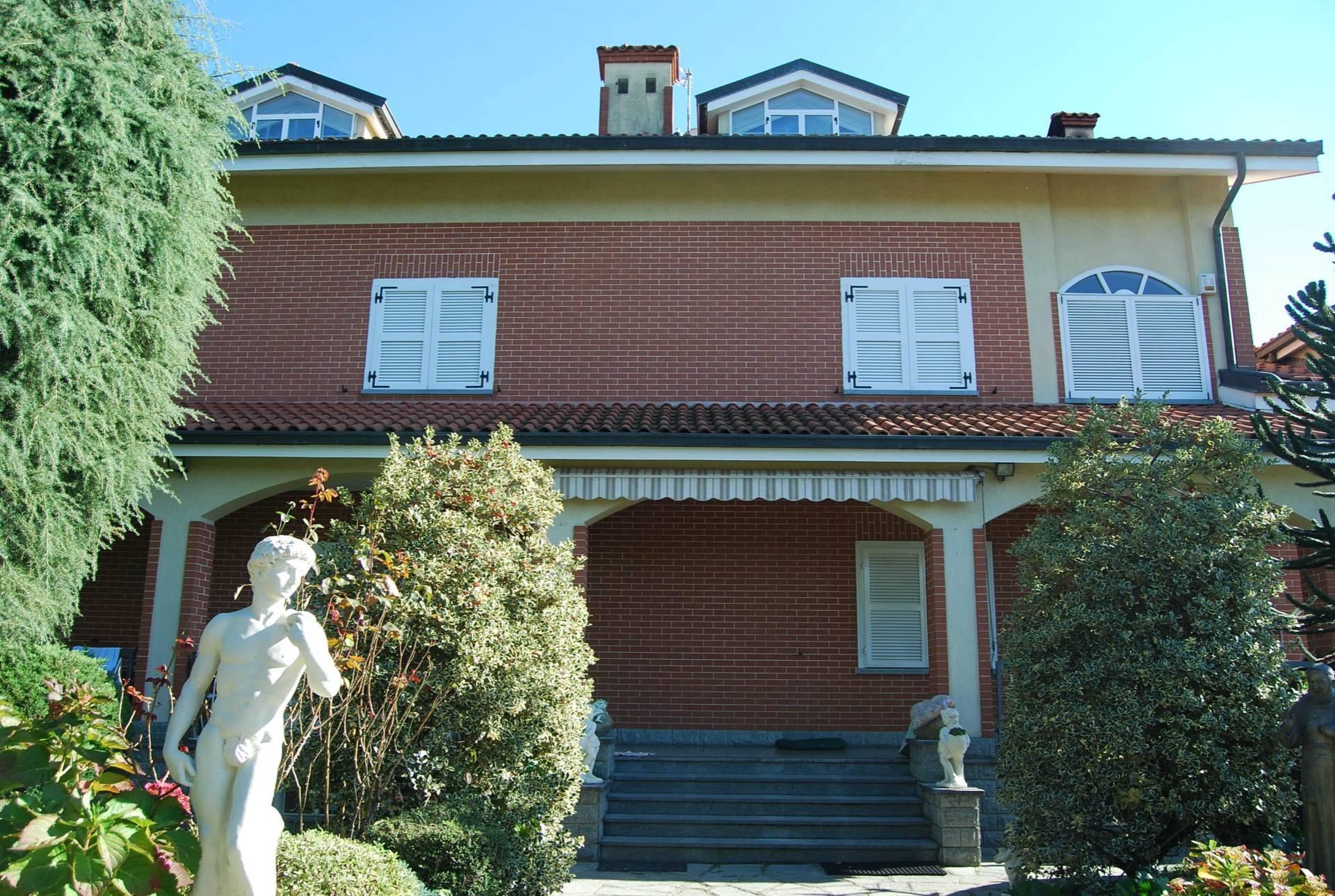 Appartamento in affitto a Rivalta di Torino, 9 locali, zona Località: Prabernasca, prezzo € 800 | PortaleAgenzieImmobiliari.it