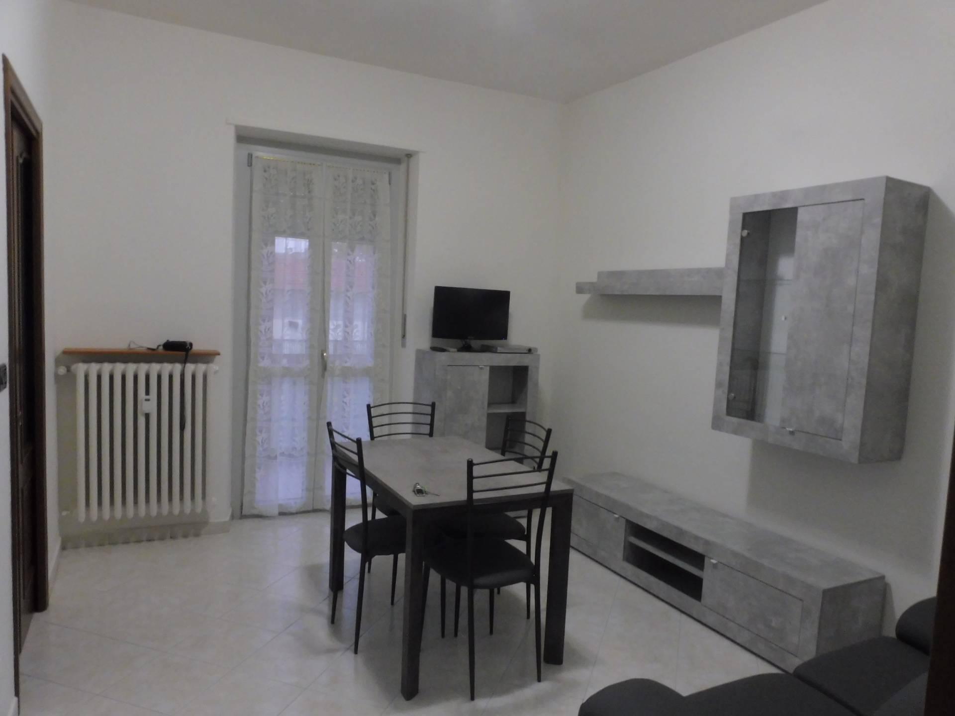 Appartamento in affitto a Collegno, 2 locali, zona Località: Centro-S.aMaria, prezzo € 420 | CambioCasa.it