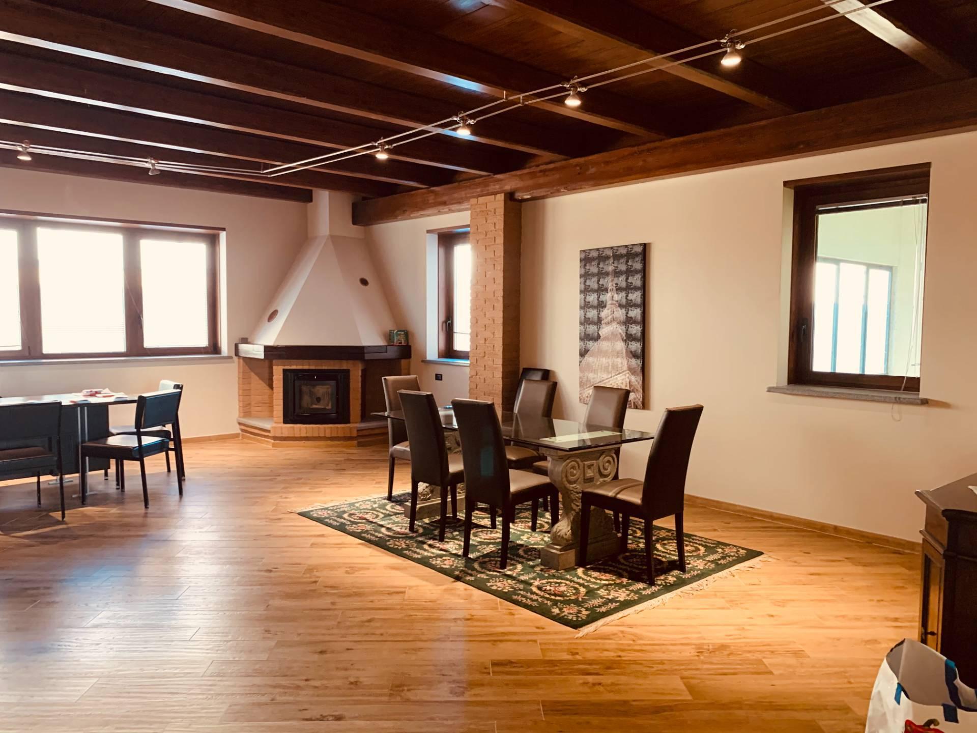 Capannone in affitto a Rivalta di Torino, 9999 locali, zona Località: Industriale, prezzo € 2.600 | PortaleAgenzieImmobiliari.it