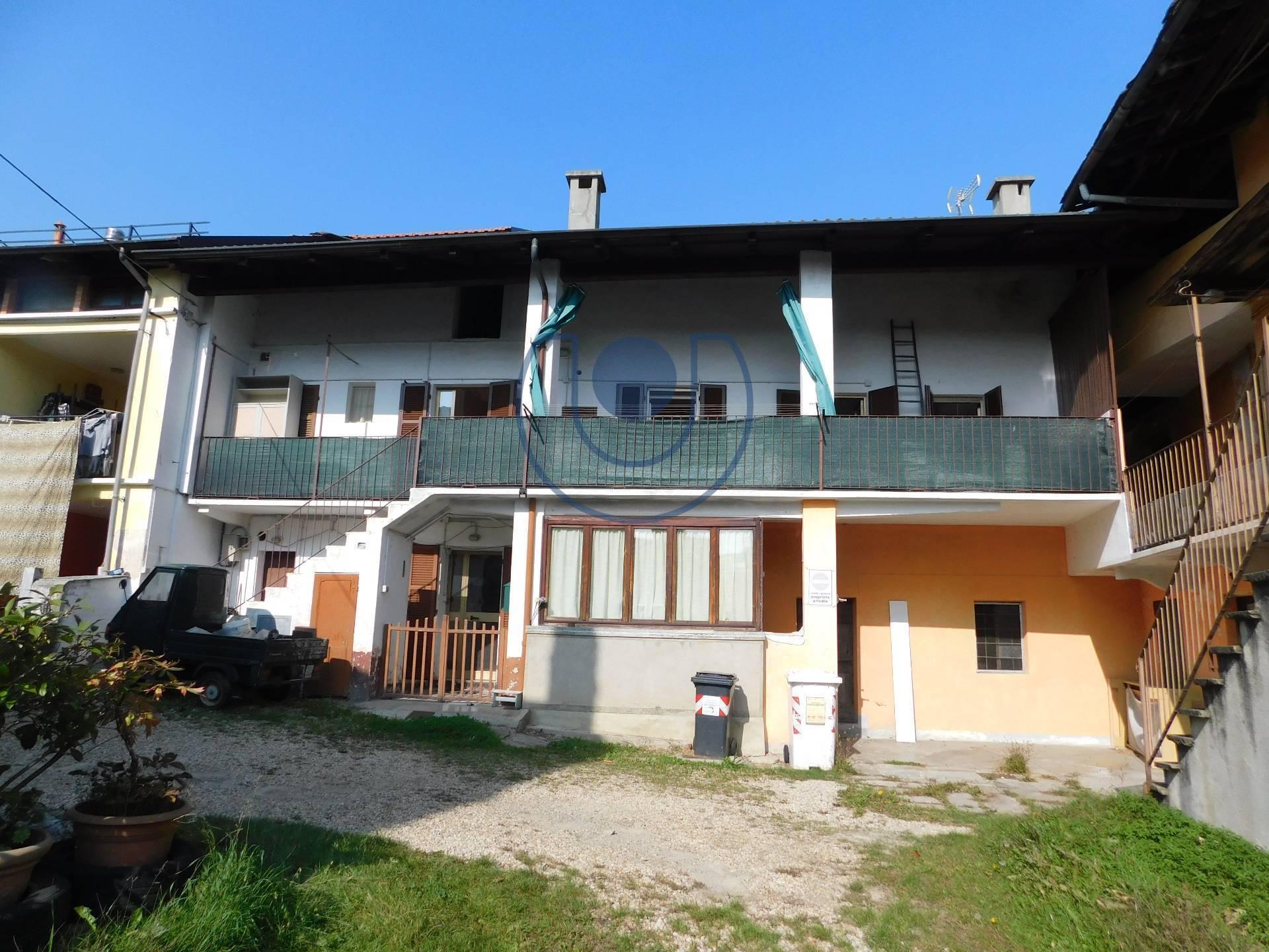 Appartamento in vendita a Giaveno, 9 locali, zona Località: B.taSelvaggio, prezzo € 79.000 | PortaleAgenzieImmobiliari.it