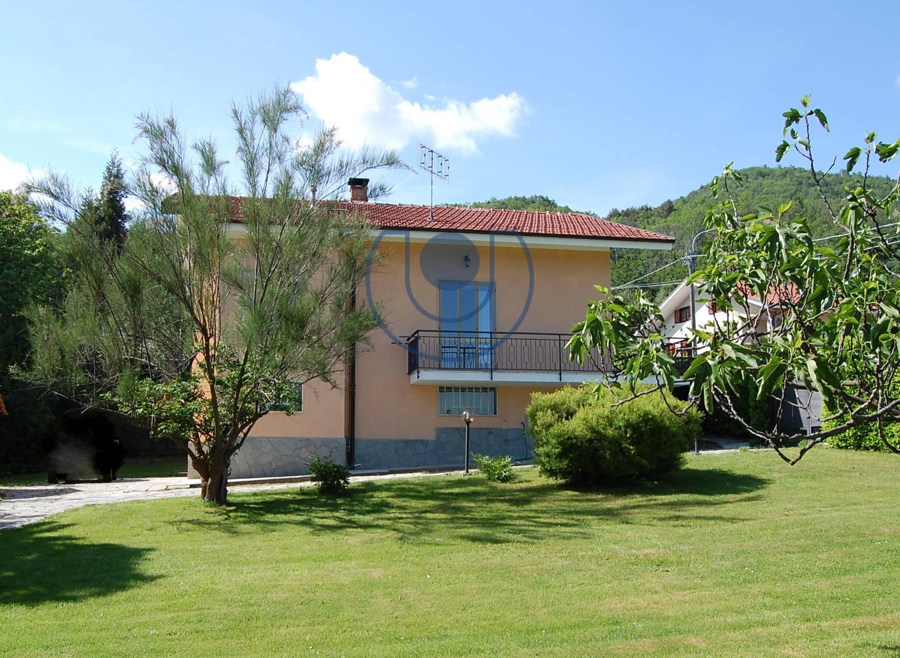 Villa in vendita a Giaveno, 9 locali, zona Località: Villanova, prezzo € 355.000 | PortaleAgenzieImmobiliari.it