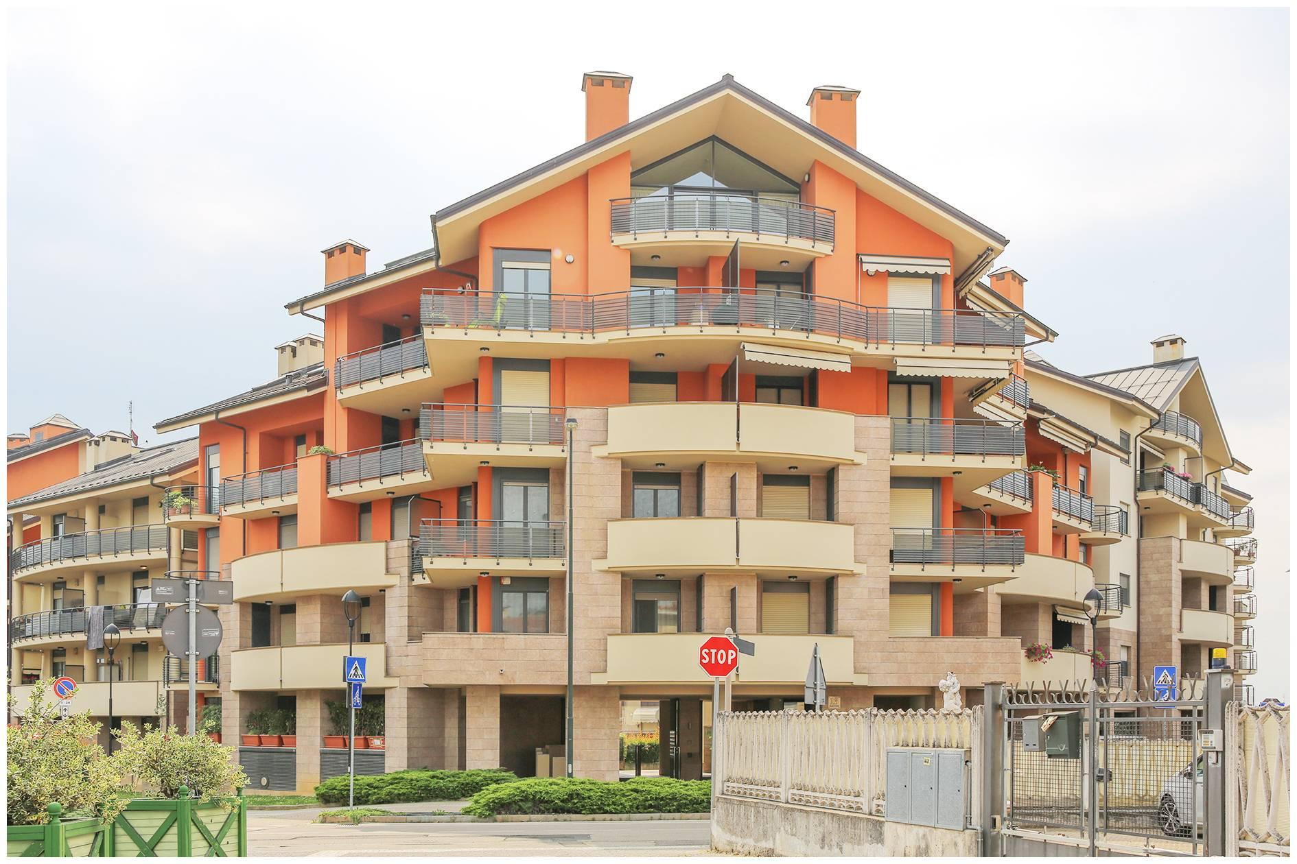 Appartamento in affitto a Chieri, 4 locali, zona Località: ComodoAlCentro, prezzo € 900 | CambioCasa.it