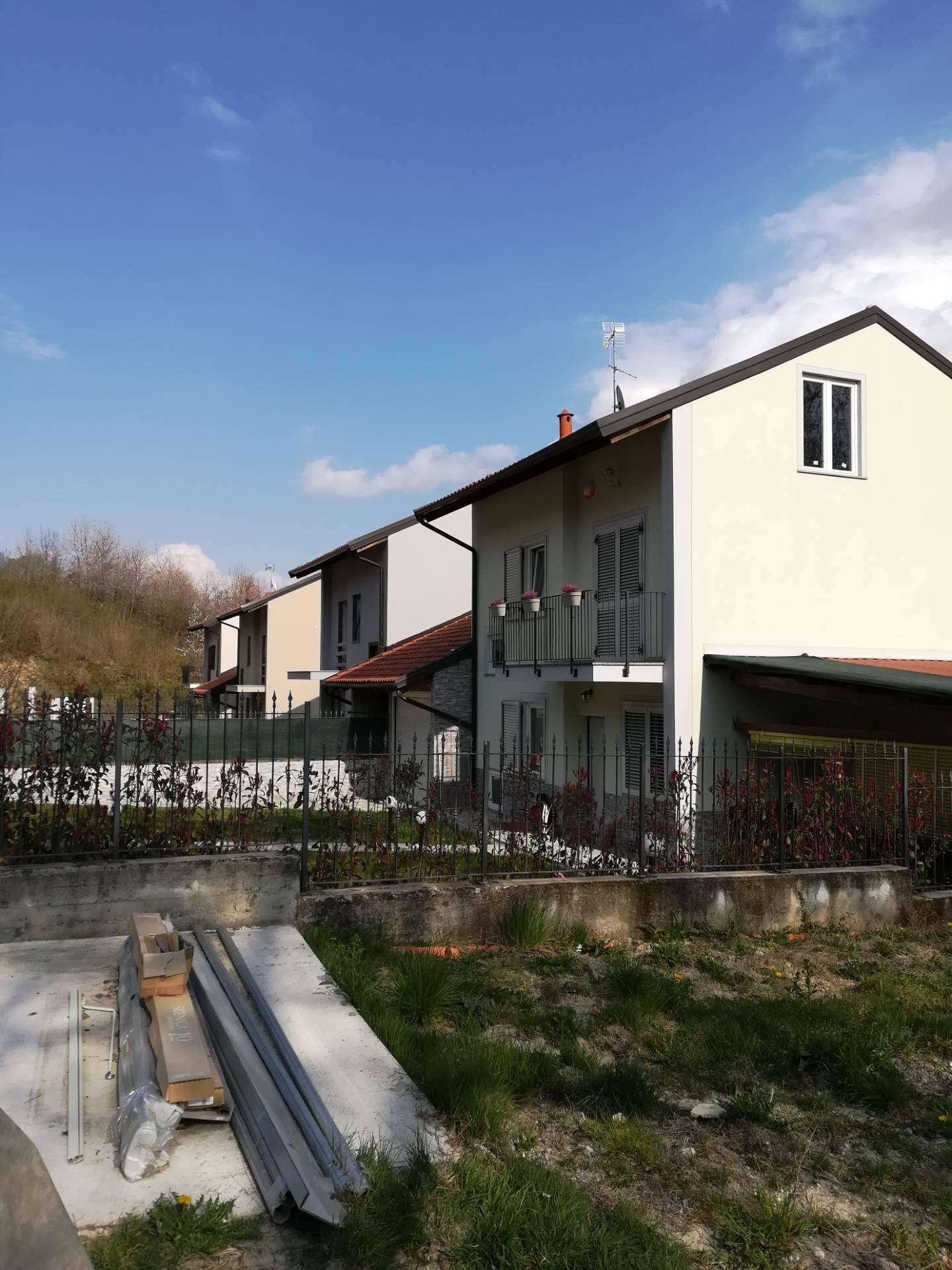 Villa in vendita a Castagneto Po, 10 locali, zona Località: CastagnetoPo, prezzo € 78.000 | PortaleAgenzieImmobiliari.it