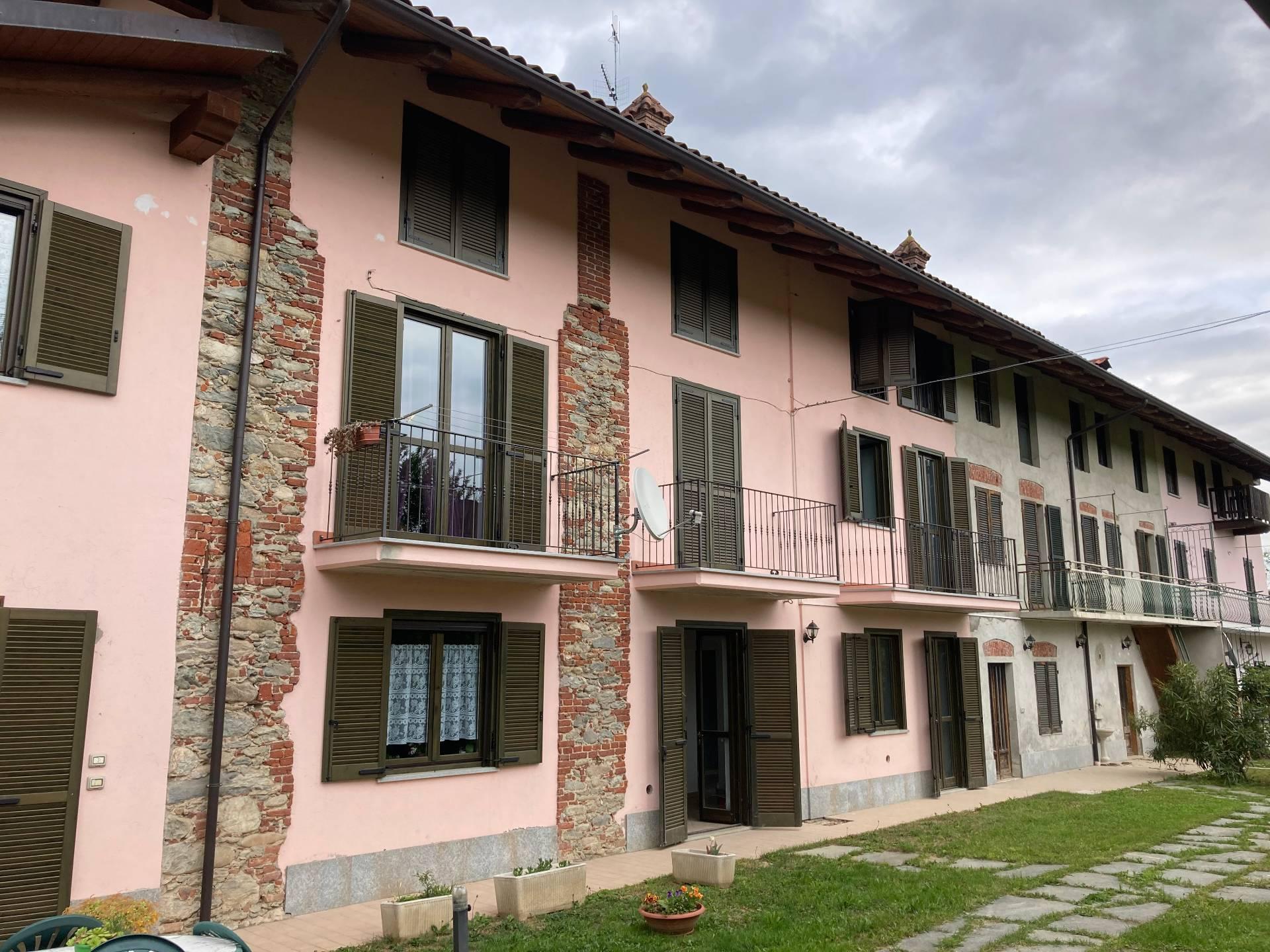 Rustico / Casale in affitto a Barbania, 5 locali, zona Località: Piana, prezzo € 600 | PortaleAgenzieImmobiliari.it