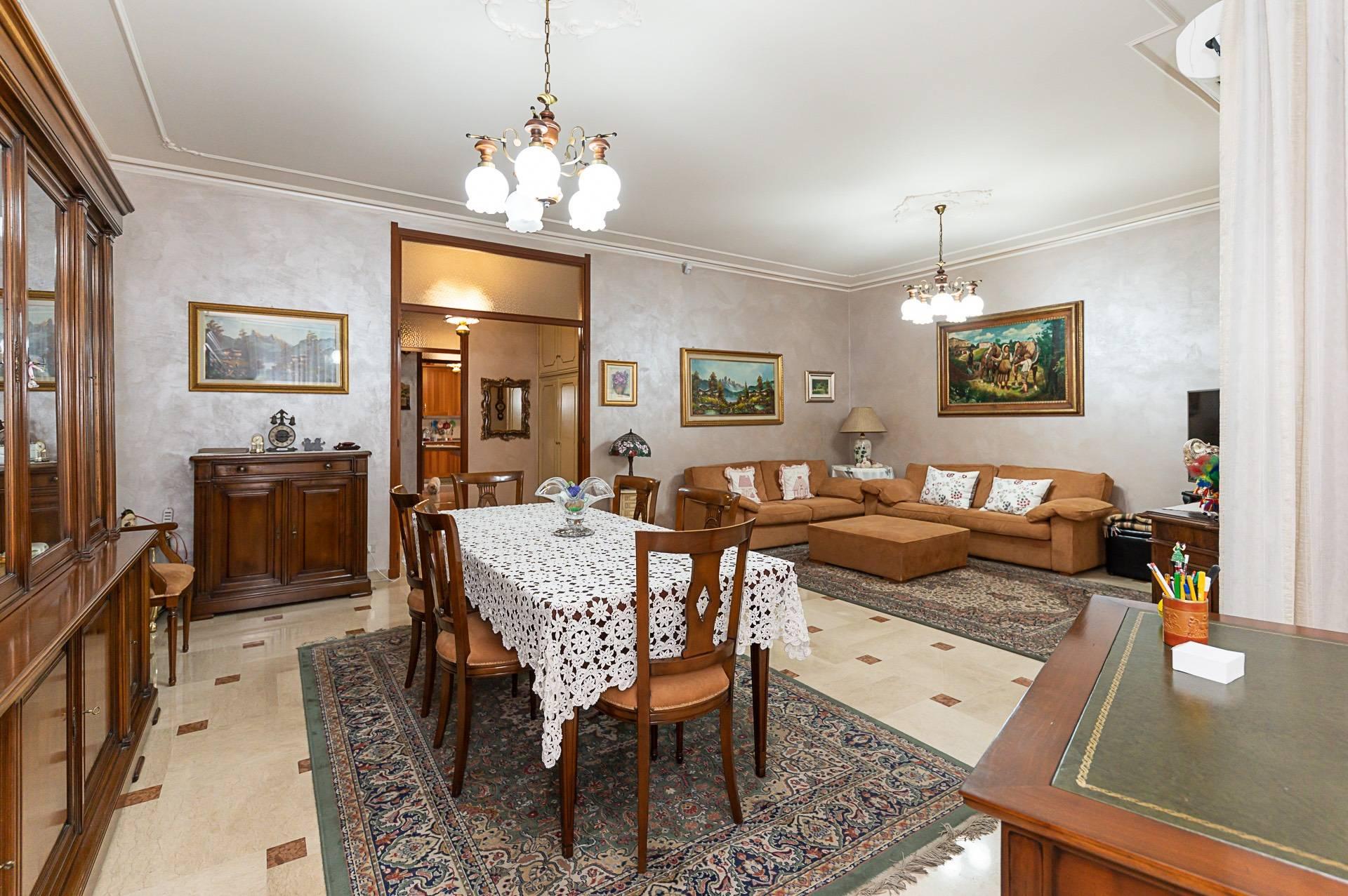 Appartamento in vendita a Rivoli, 6 locali, zona Località: Centrale, prezzo € 298.000   PortaleAgenzieImmobiliari.it
