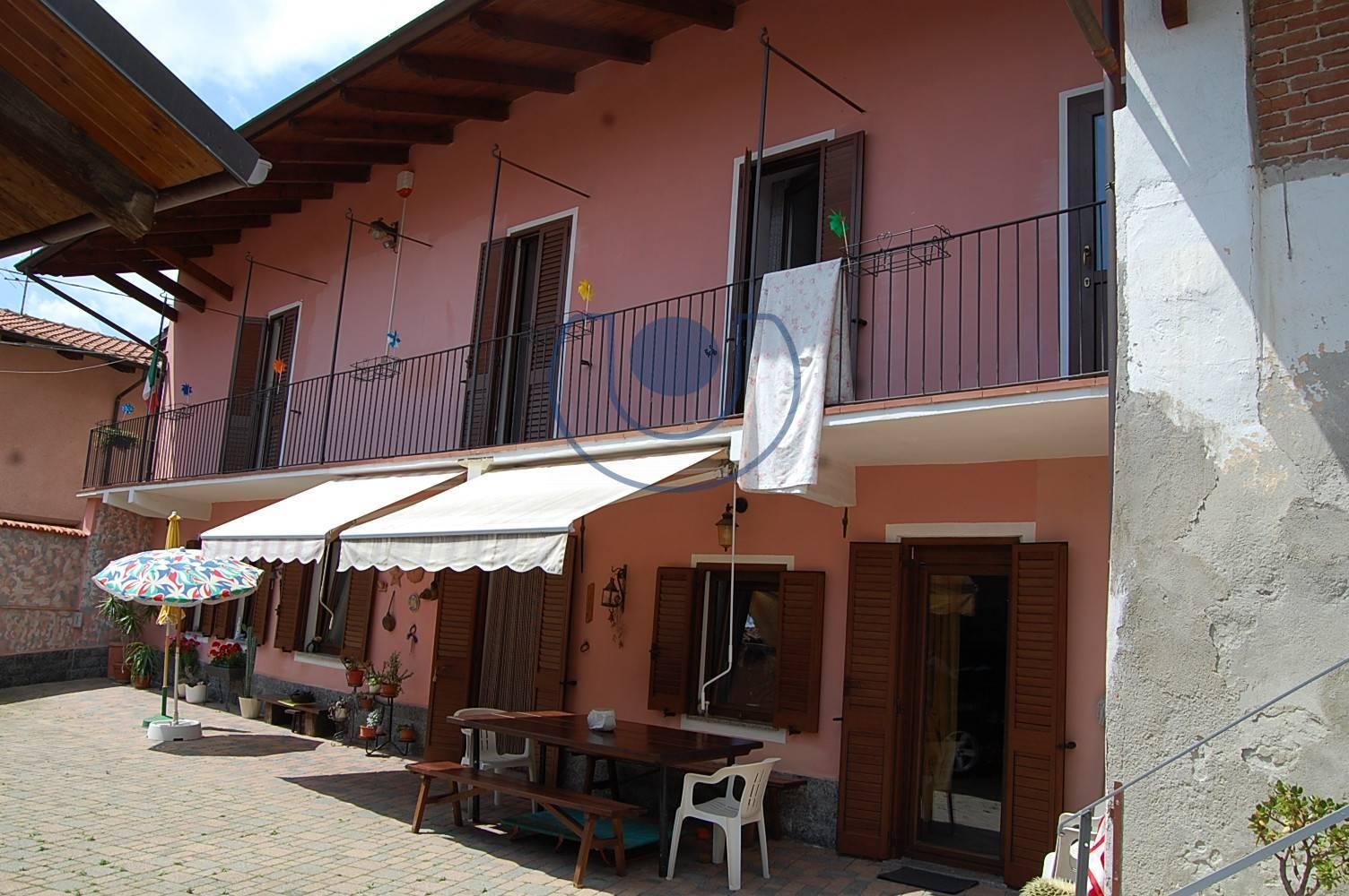 Rustico / Casale in vendita a Giaveno, 11 locali, zona Località: BorgataSala, prezzo € 295.000 | PortaleAgenzieImmobiliari.it