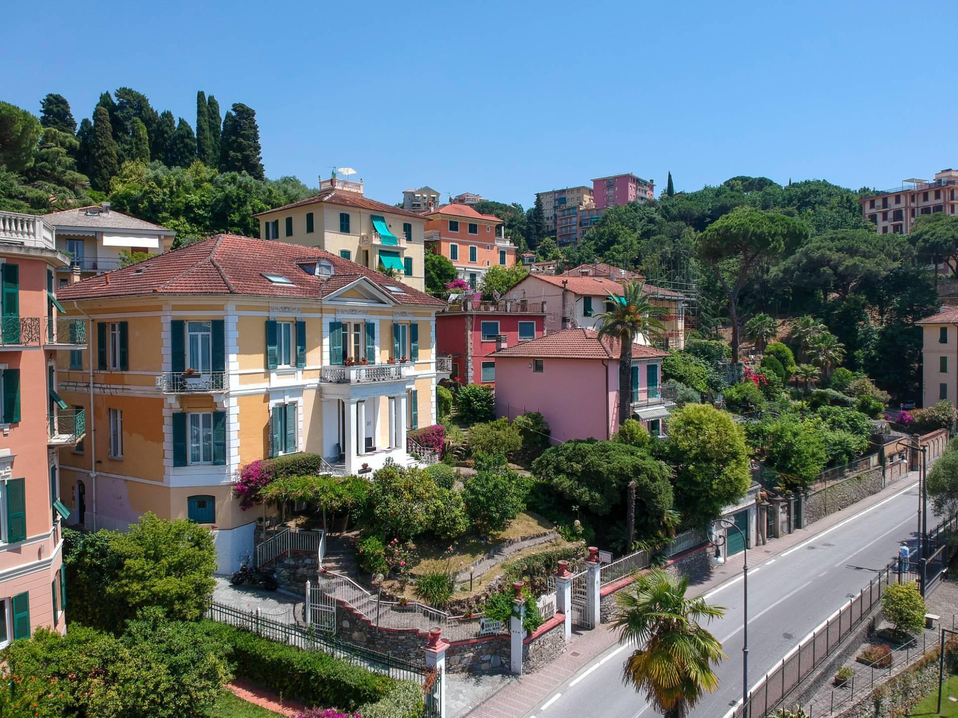Attività / Licenza in vendita a Rapallo, 9999 locali, prezzo € 3.000.000   CambioCasa.it