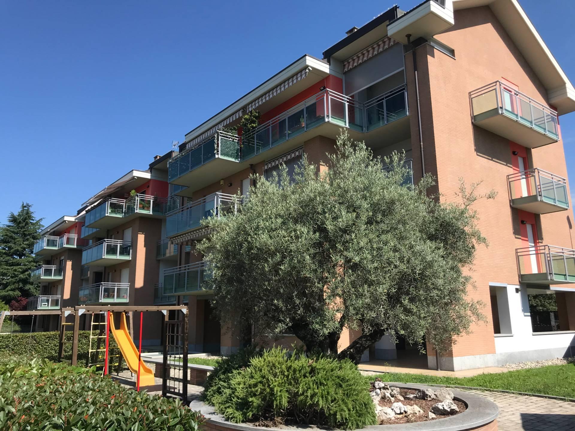 Appartamento in vendita a Grugliasco, 5 locali, prezzo € 375.000 | CambioCasa.it