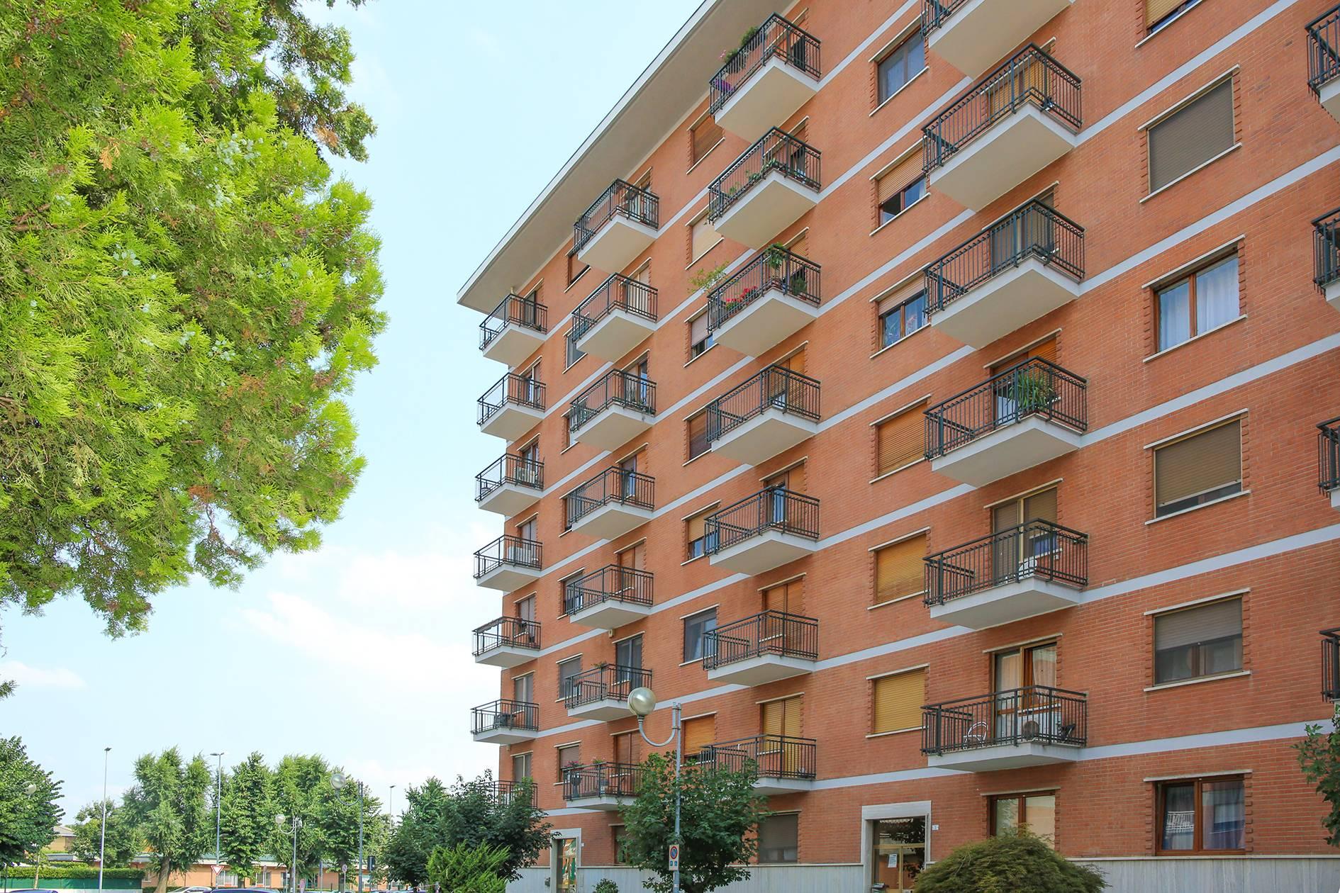 Appartamento in vendita a Borgaro Torinese, 3 locali, zona Località: Centrale, prezzo € 135.000   CambioCasa.it