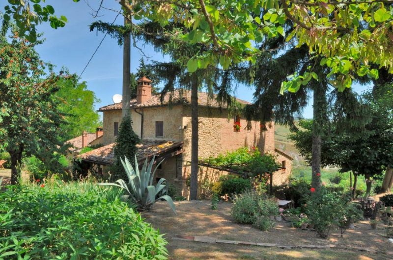 Rustic for Sale to Volterra