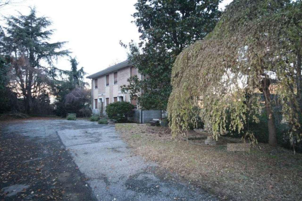 Villa Bifamiliare in Vendita a Torino