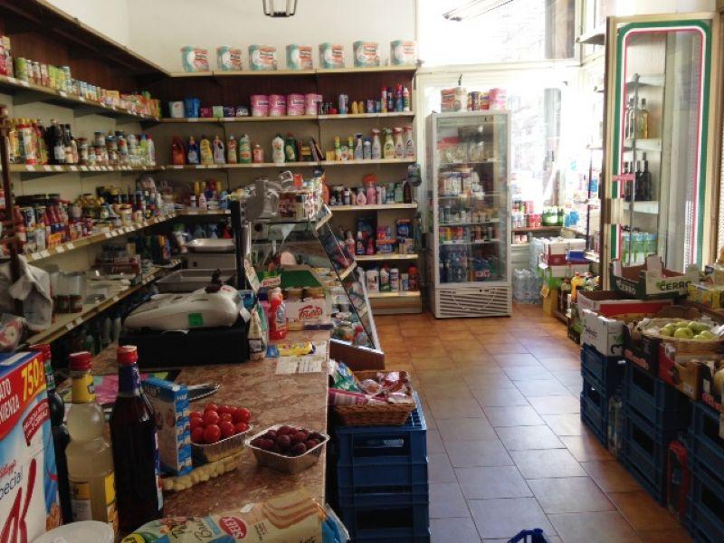 Attività Commerciale - Supermercato - Minimarket in Vendita a Torino