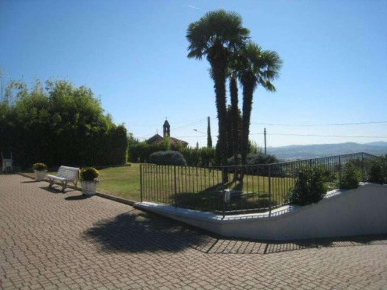 Villa in Vendita a Govone