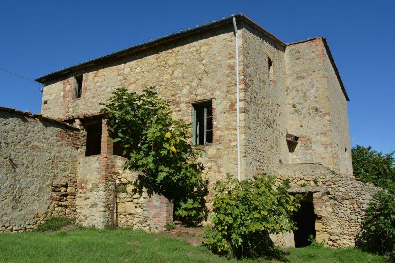 Rustico in Vendita a Castelnuovo di Val di Cecina