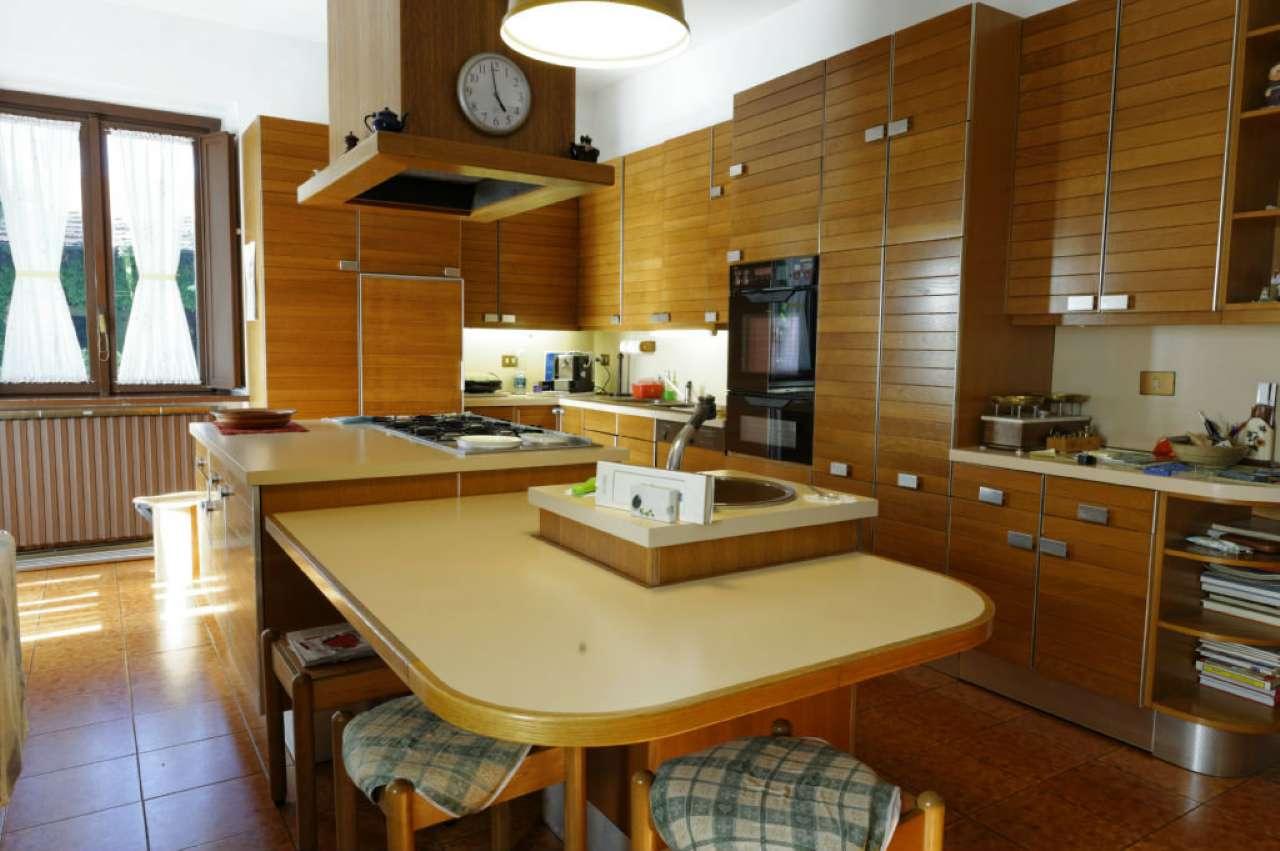 Villa Bifamiliare in Vendita a Caselle Torinese