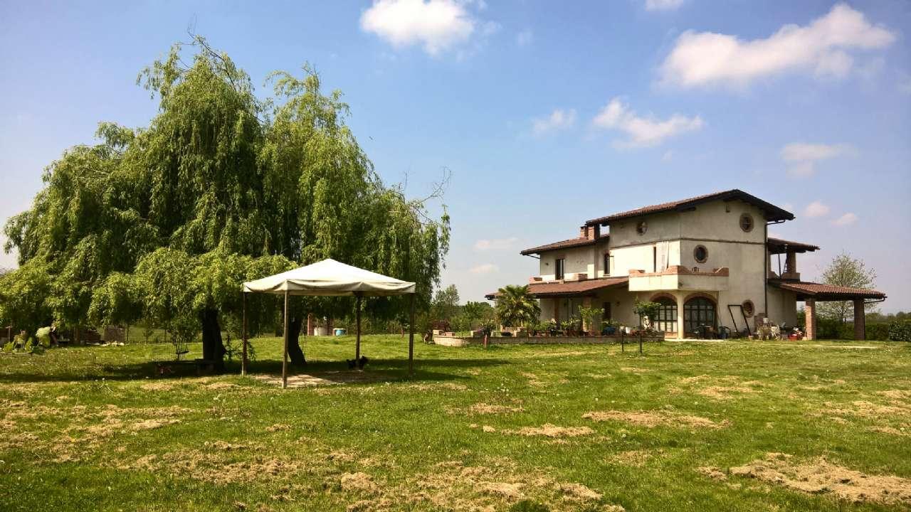 Villa in Vendita a Pralormo