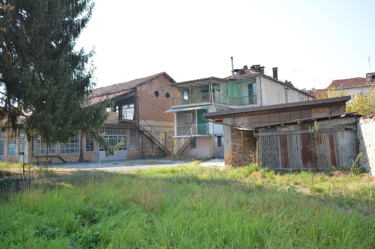 Stabile - Palazzo in Vendita a Mondovì