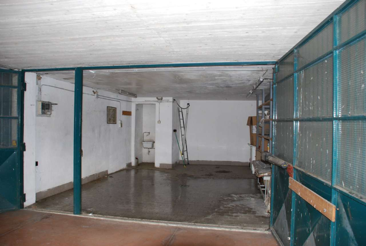 Box o garage in Vendita a Vinovo