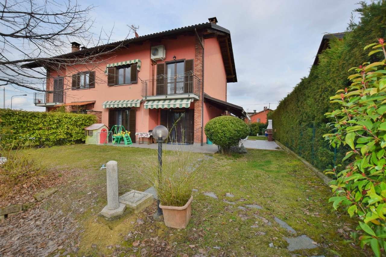 Villa Bifamiliare in Vendita a Chieri