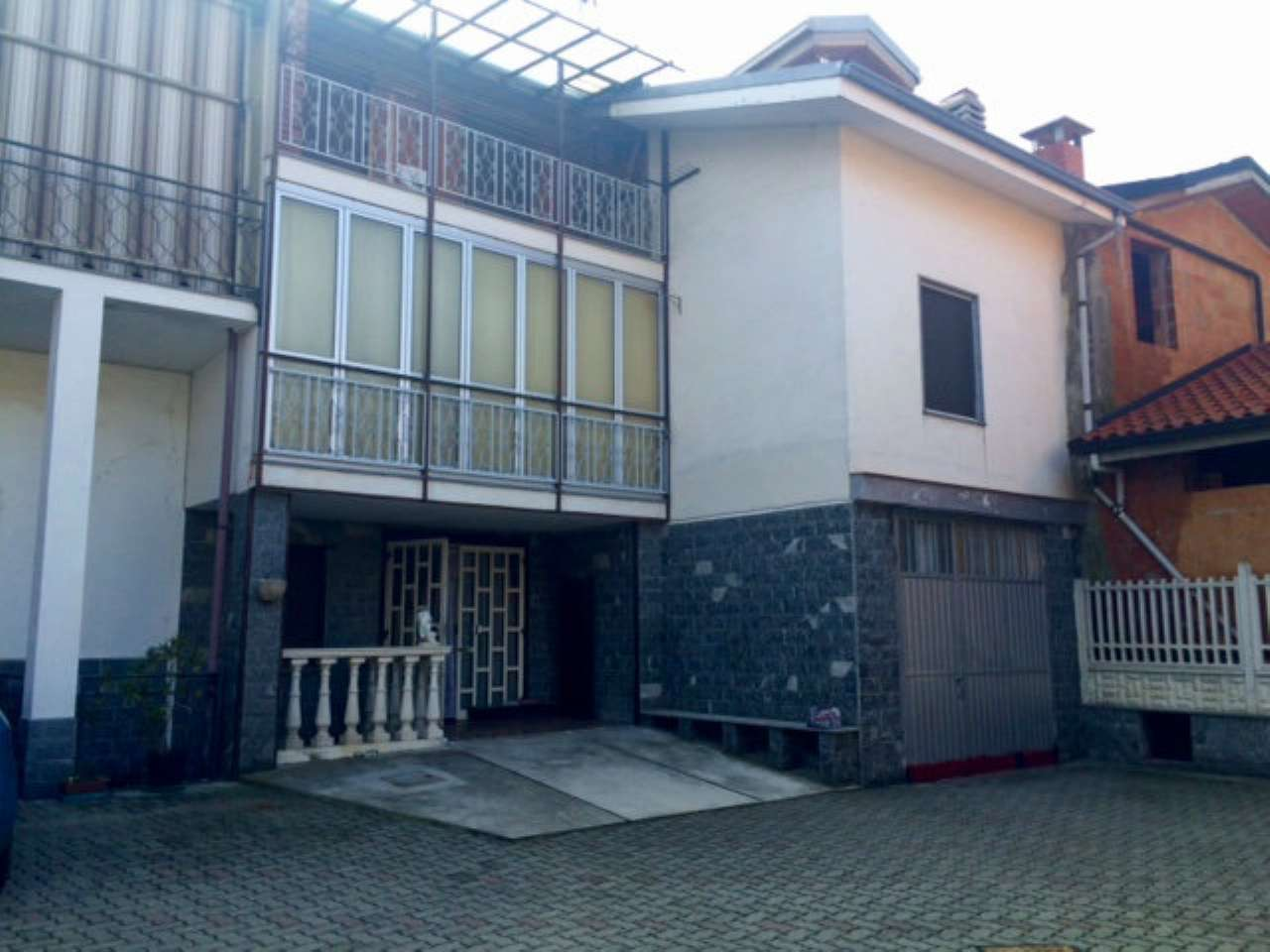 Indipendent house for Sale to Cuceglio