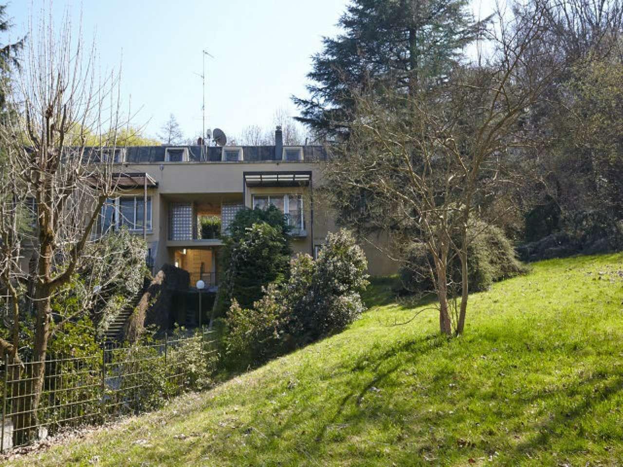 Villa Bifamiliare in Affitto a Torino