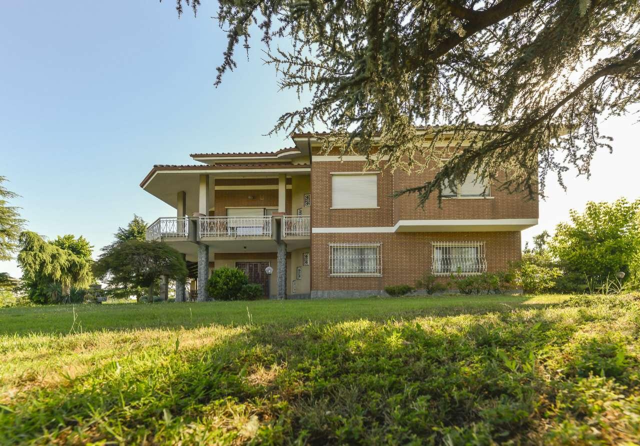 Villa Bifamiliare in Vendita a Cellarengo