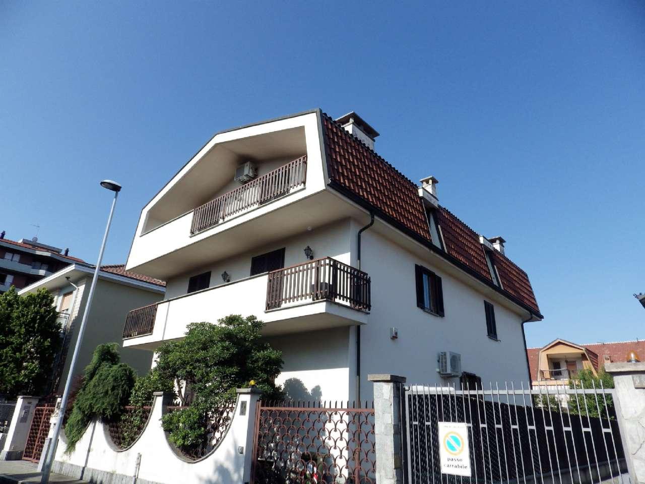 Villa Trifamiliare in Vendita a Collegno
