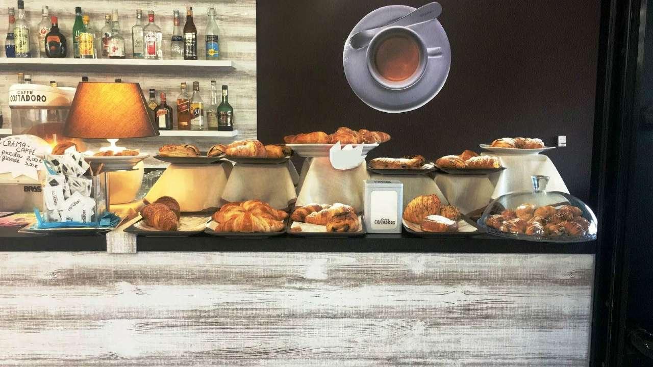 Attività Commerciale - Bar Tavola Calda - Fredda in Vendita a Trofarello