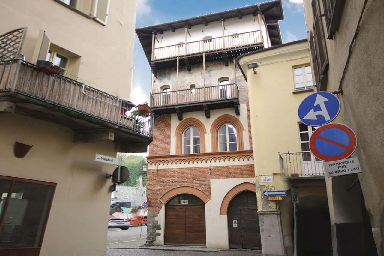 Stabile - Palazzo in Vendita a Pinerolo