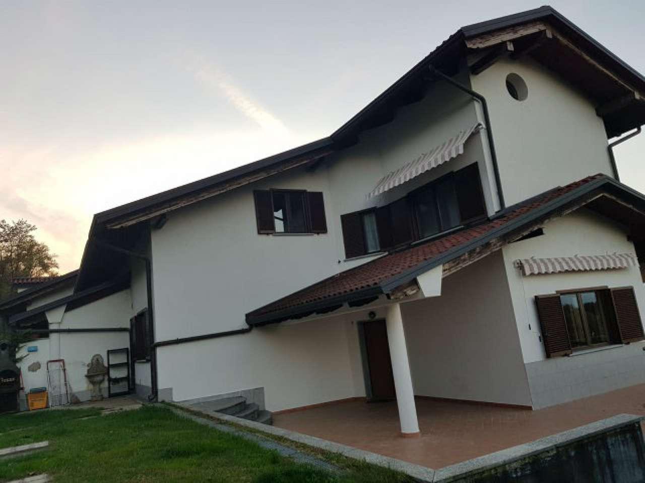 Villa Bifamiliare in Affitto a Pecetto Torinese