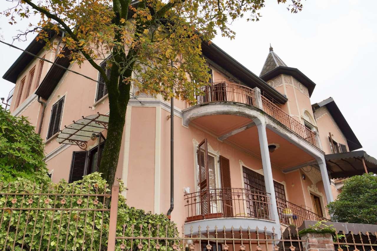 Villa in Vendita a Torino