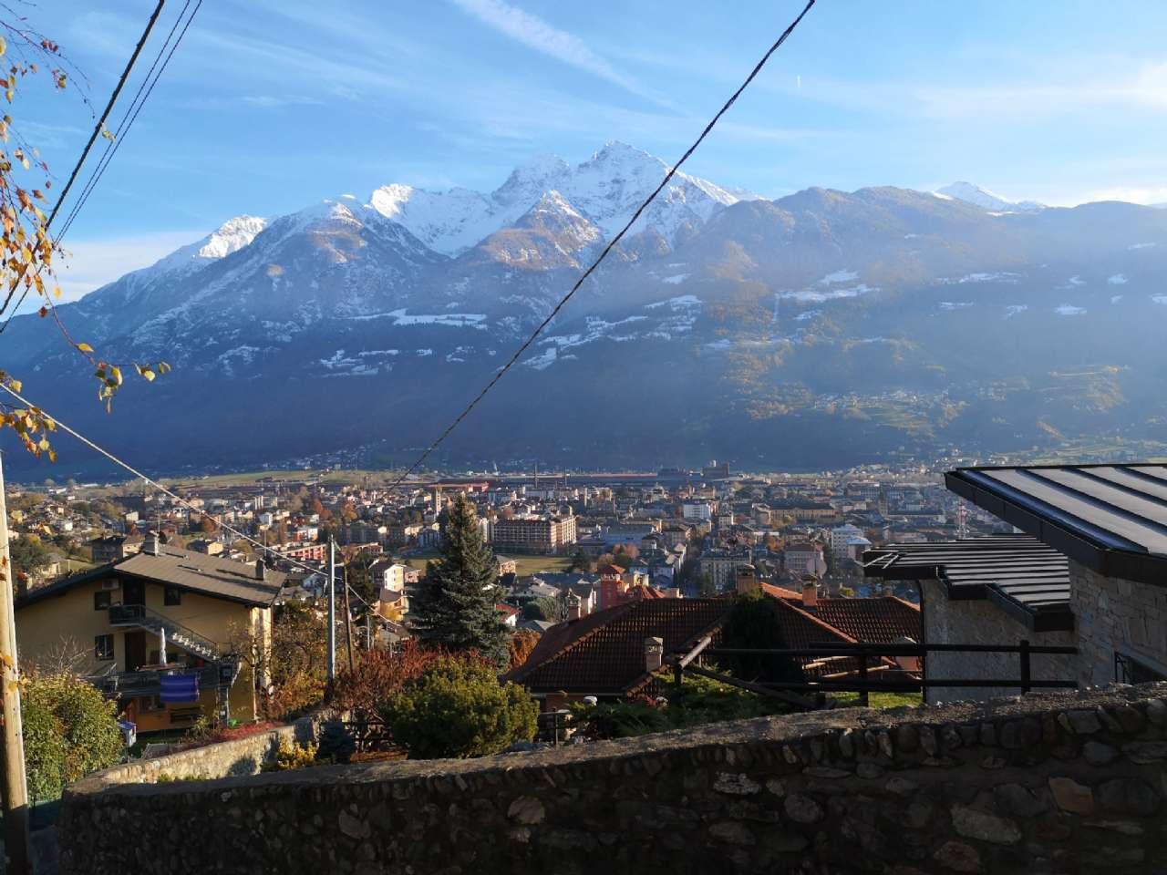 Villa Unifamiliare in Vendita a Aosta