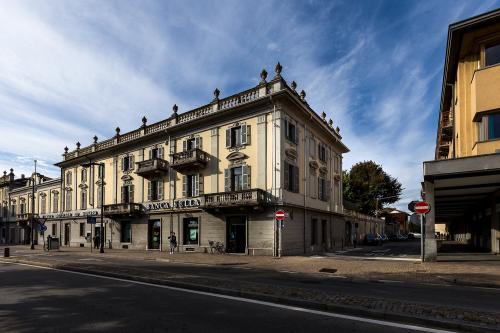 Stabile - Palazzo in Vendita a Rivarolo Canavese