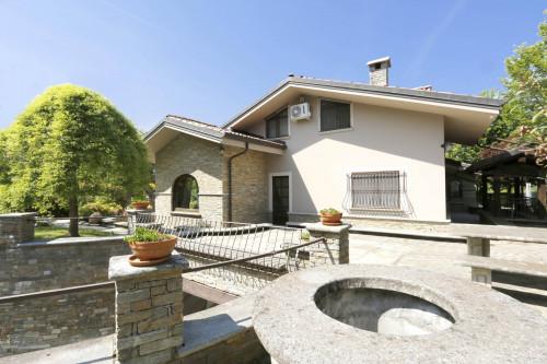 Villa in Vendita a Roletto