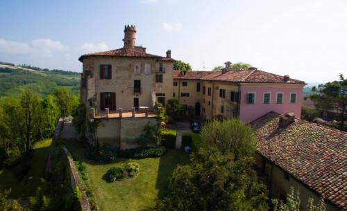 Castello in Vendita a Pino d'Asti